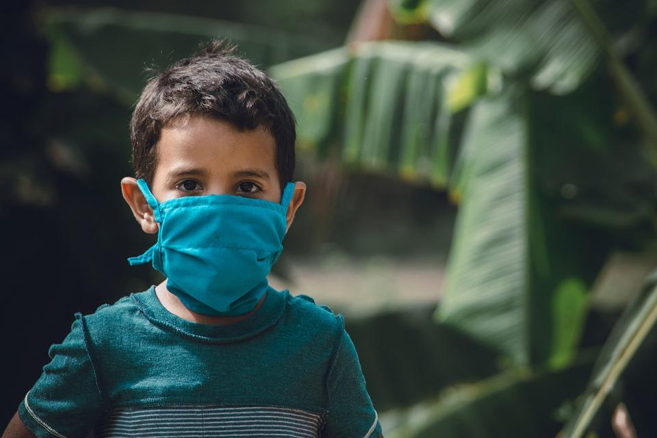 新型コロナ、重症化する子供の特徴と経過まとめ【多臓器炎症症候群】