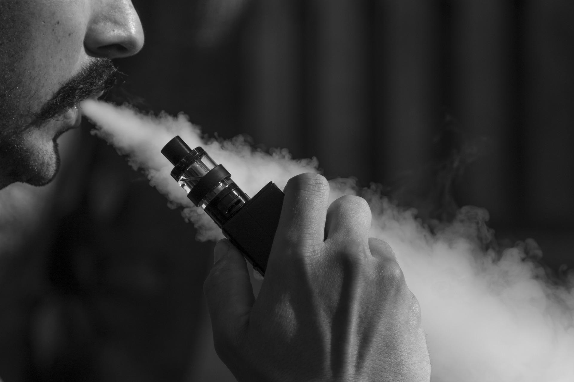 電子タバコは炎症や酸化ストレスを増やすか?